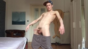 SEXY TWINK WANKS HIS PIECE OF MEAT