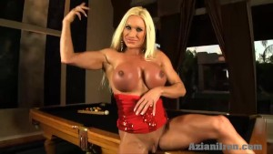 Buff blonde rams huge glass dildo in her pussy