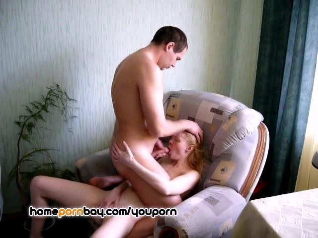 etazhami-nizhe-domashnee-izbrannoe-porno