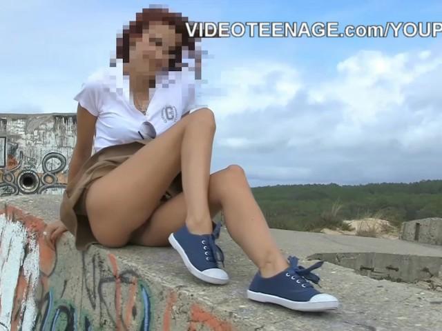 cute-teen-nude-at-beach