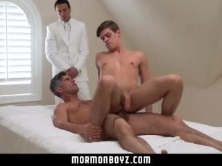 Zmyseľná gay trojka