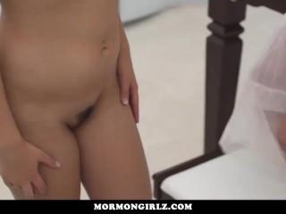 Mormongirlz - Very Yoing Girl First Lesbian Experience