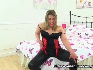 English Tammy Milf Teases Us In Black Leggings