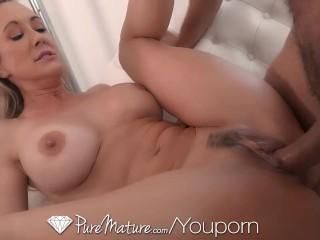 Krásna pornoherečka miluje sex najviac na svete