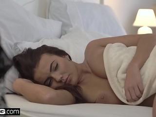 Frajer má chuť na sex pred spaním