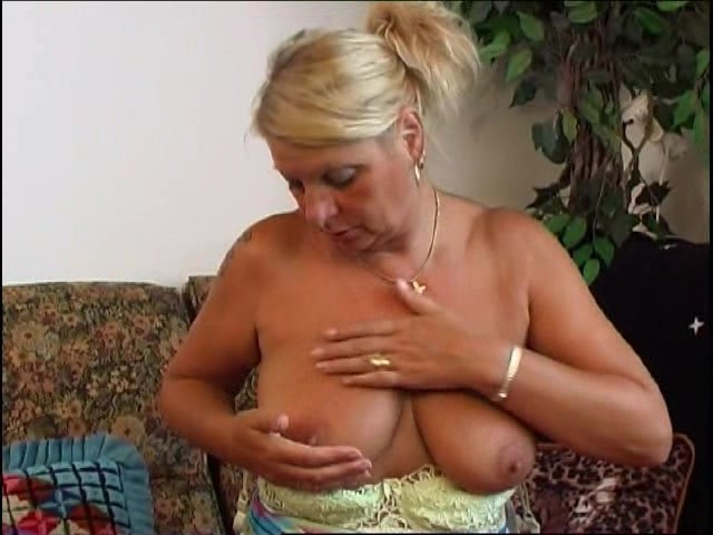 Hot Grannys Masturbating Solo