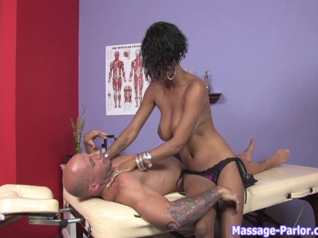 Sexy Masseuse Tricks Client Pt. 1/2 - Free Porn Videos - YouPorn