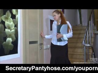 Pantyhose sex with a secretary