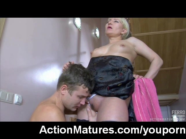 Marie Luv anale porno
