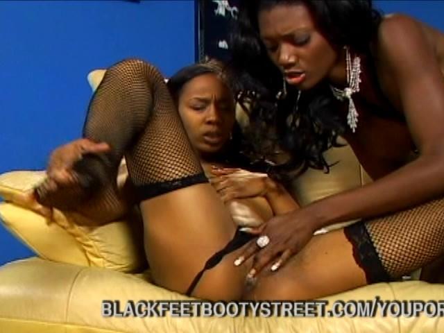 Ebony Lesbian Feet Pussy