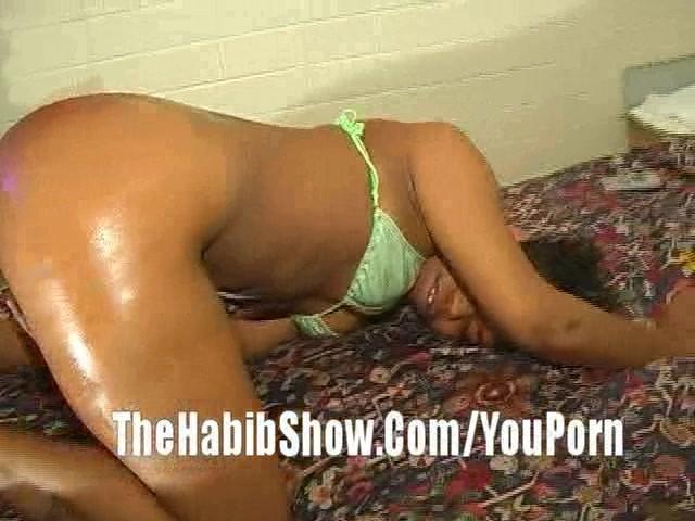 Big booty teen nude grinding