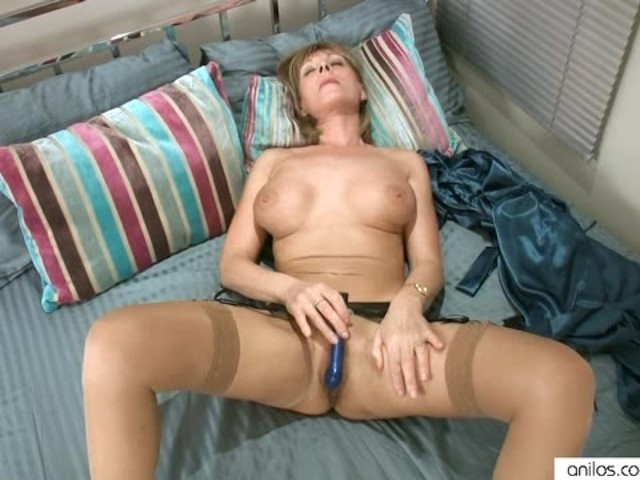Solo Girl Intense Orgasms