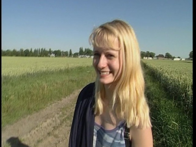 Cute Farm Girl Gets Naked In The Field - Free Porn Videos -3512