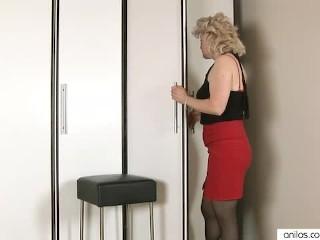 Mature Jane Fucks Her Dildo And Masturbates