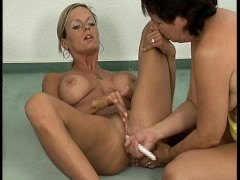 Picture Nurses give mouth to pussy resuscition clip