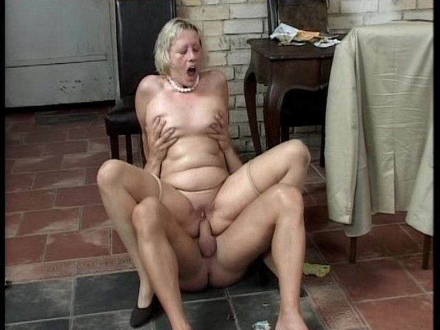 Amateur Wife Fucks Young Guy