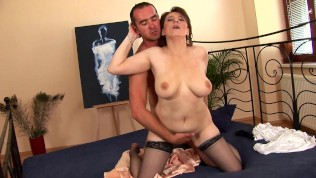Horny mature babe in stockings fucked