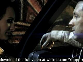 ALEKTRA BLUE LOVES FUCKING IN THE CAR
