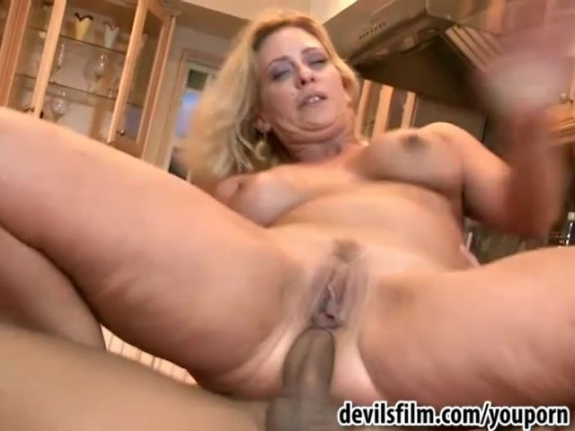 Sexy girl shower porn