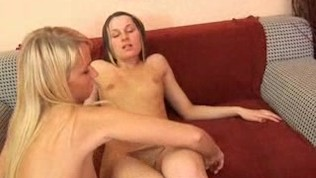 Lesbian Fucking a Vagina with her Tongue