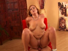 Picture Anyssa moans while being pounded