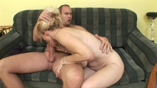 Horny mature blonde takes it deep