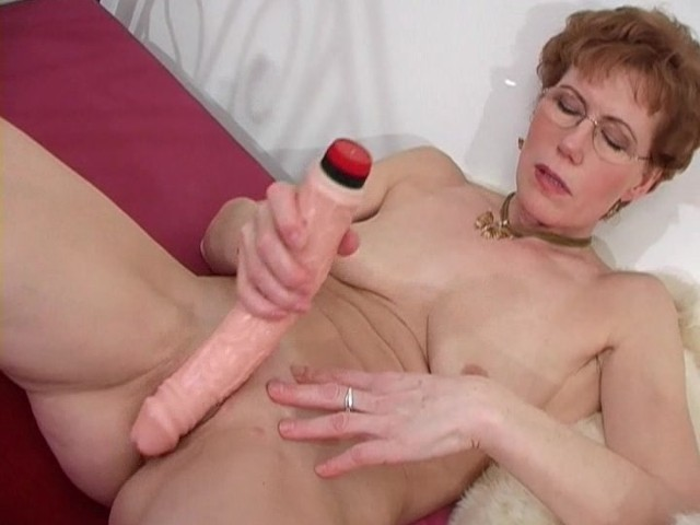 Mature Lady Masturbates - Ant Studio - Free Porn Videos -5226