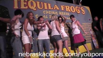 wild spring break girls ficken beschriftungen