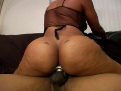 Picture Queenie gets straight up fucked - Temptation
