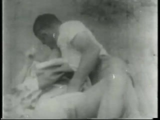 Old Time B&W Porno Scene – Gentlemens Video