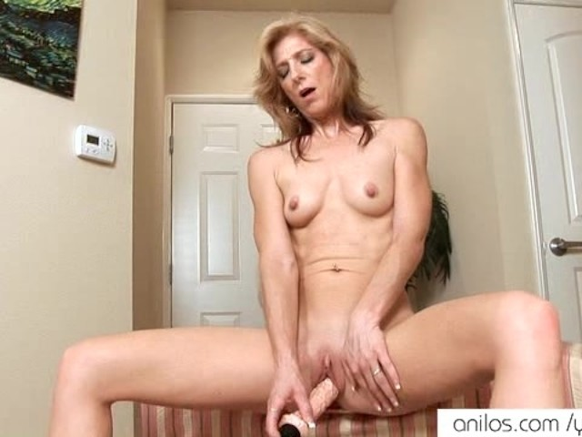 Hairy Mature Dildo Orgasm