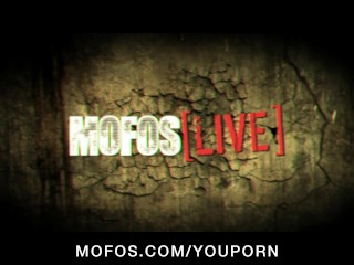 MOFOS LIVE SHOWS – PORNSTARS: Emily Addison and Ainsley Addison