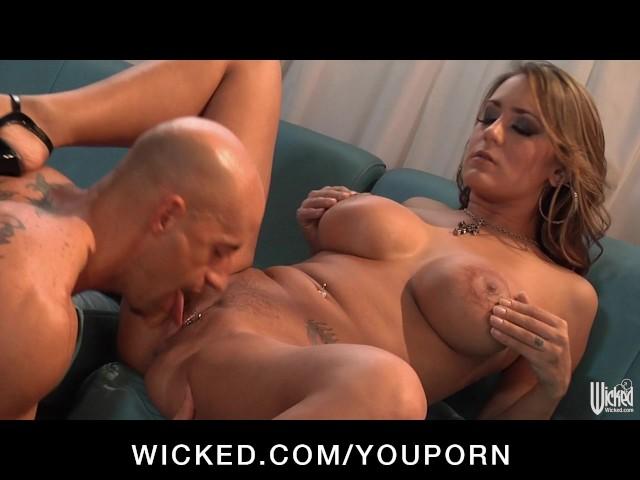 Big Tits Mom Get Fucked Hard