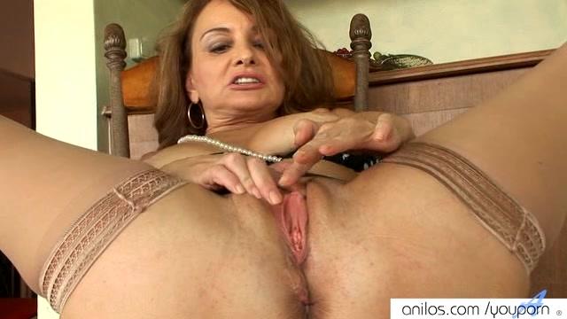 Illlustrated anal masturbation