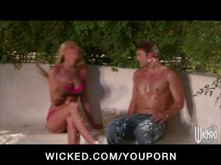 Horny big-tit blonde slut fucked by pool boy's hard dick outdoors