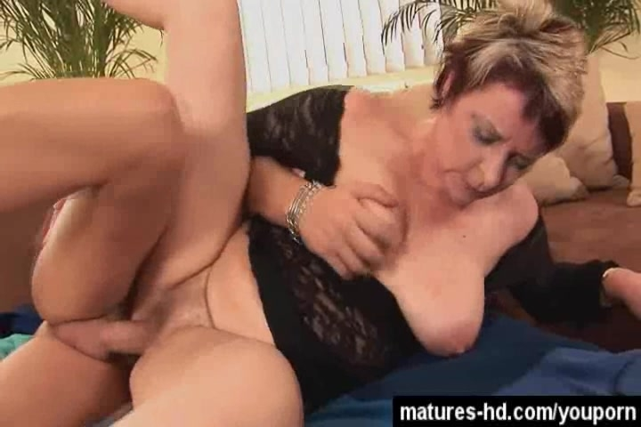 Mature big tits hd