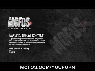 Horny big-ass Latina slut girlfriend fucks hard dick in wet pussy