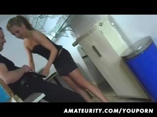 Amateur girlfriend home fuck with creampie cumshot