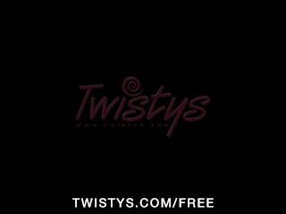HOT brunette babe Alyssia strips & finger-fucks herself to orgasm