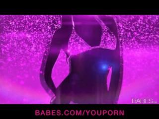 Sexy busty blonde babe Niki strips & masturbates to orgasm solo