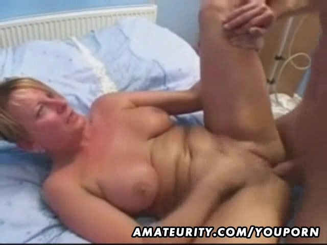 Big boob mature babe showing off