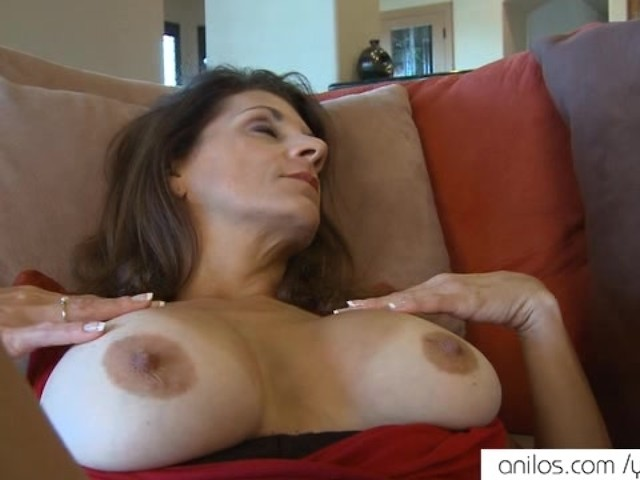 Beautiful Mature Hd Solo