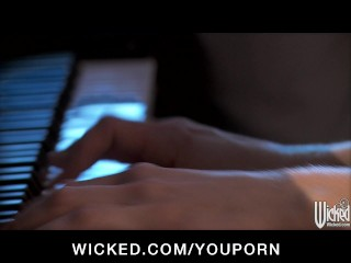 Big-tit & ass brunette GF Gracie Glam is fucked on top of a piano