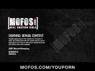 Big-booty blonde amateur Ashton Anderson makes a sex tape