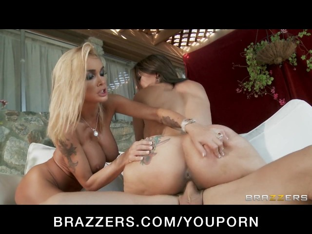 Horny Blonde Wife Devon Convinces Busty Raylene Into A -5411