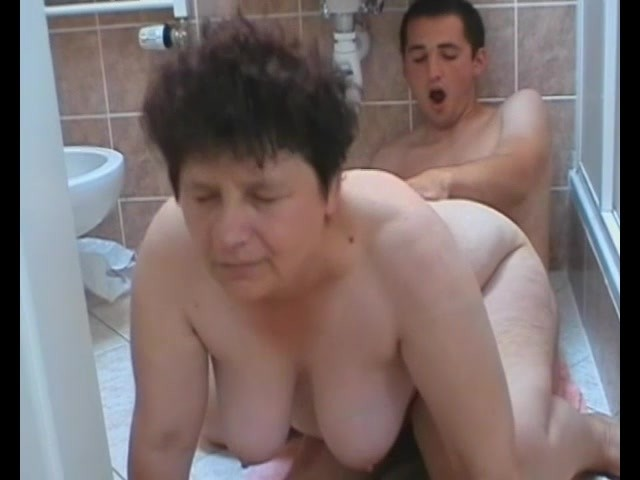 Mature Women Gets Fucked