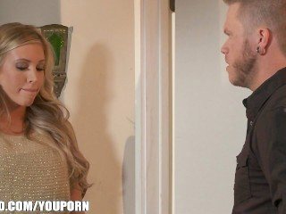 Big-booty blonde Samantha Saint is fucked doggy and cums