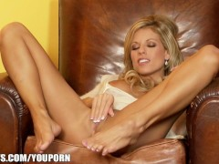 Picture Nicole Graves has a SEXY pair of legs and a...