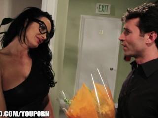 Alektra Blue has her pussy slammed by James Dean's big-dick