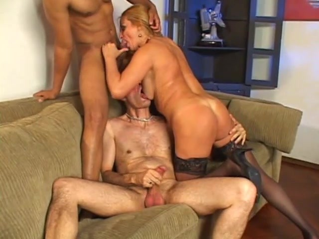 Mature Amateur Ffm Threesome